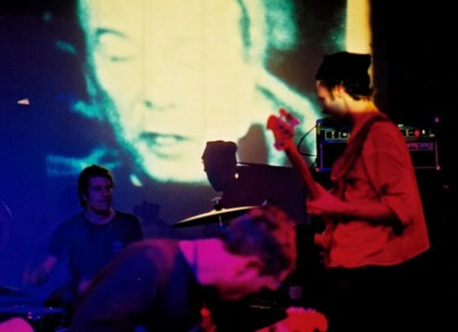 Large_godspeed_you_black_emperor_-_london_nov_20003-580x420