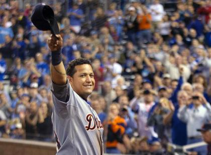 Large_miguel-cabrera-triple-crown-winner