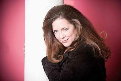 Large_rsz_carlene_carter