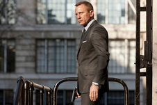 Medium skyfall0109