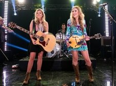 Medium rsz maddie and tae girl in a country song music video of the year 630x420