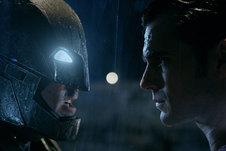 Medium batman vs superman info tag