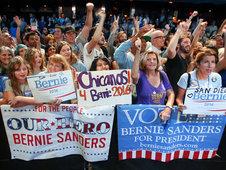 Medium rsz women bernie sanders hillary clinton vote