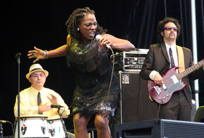 Large_sharon_jones